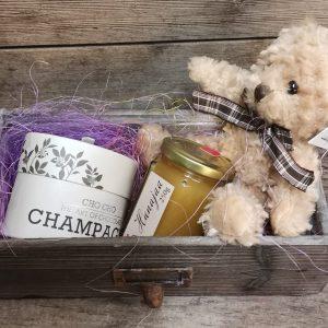 Herkkulaatikko: Nalle, Lillukka-hunaja ja shamppanjatryffeli